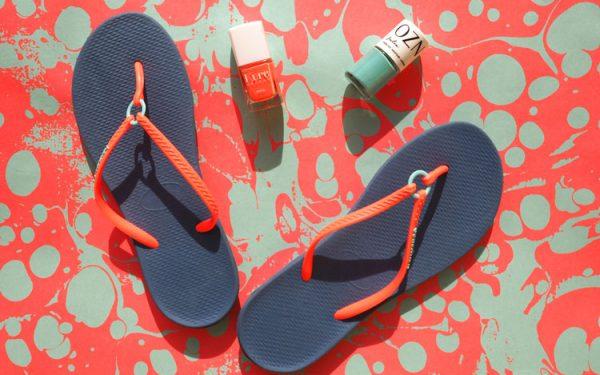 Ohhhsorelaxed.com: Zehen-Freiluft-Saison. Havaianas Ring Indigo, Nail Polish: Kure Bazaar Bikini & Co, OZN Julia.