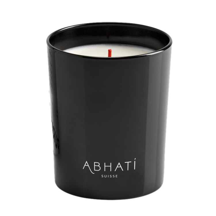 Winterliche Duftkerzen. Abhati Purchanval Scented Candle (amazingy.com) by ohhhsorelaxed.com