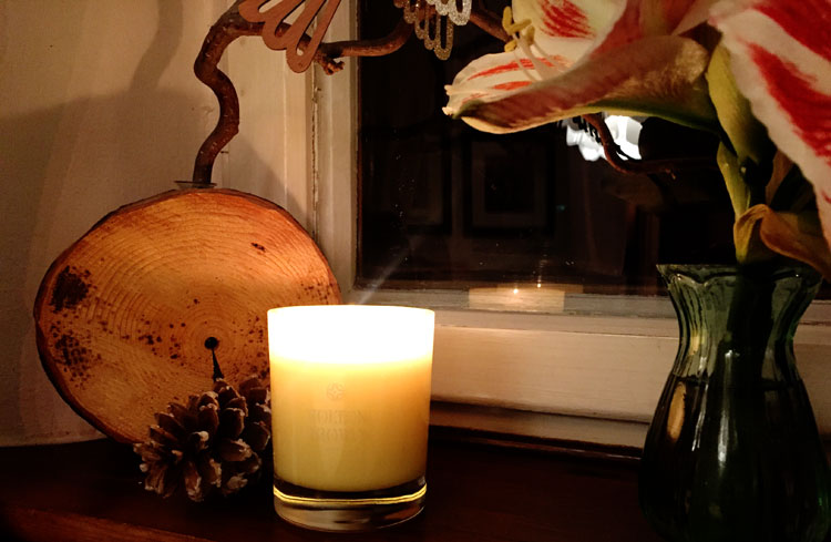 Winterliche Duftkerzen. Molton Brown Orange & Bergamot Candle by ohhhsorelaxed.com