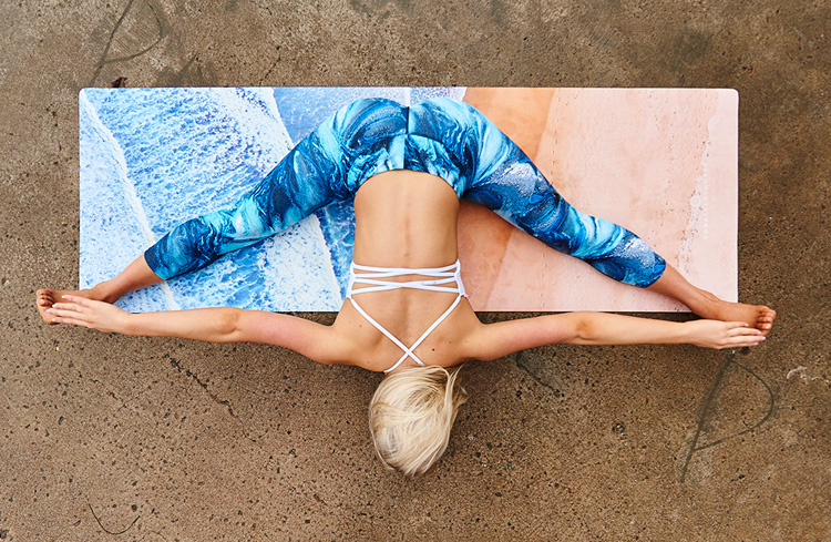 Happy Places to go von HappySweeds & YogaEverywhere: Yogamat by Yogaeverywhere